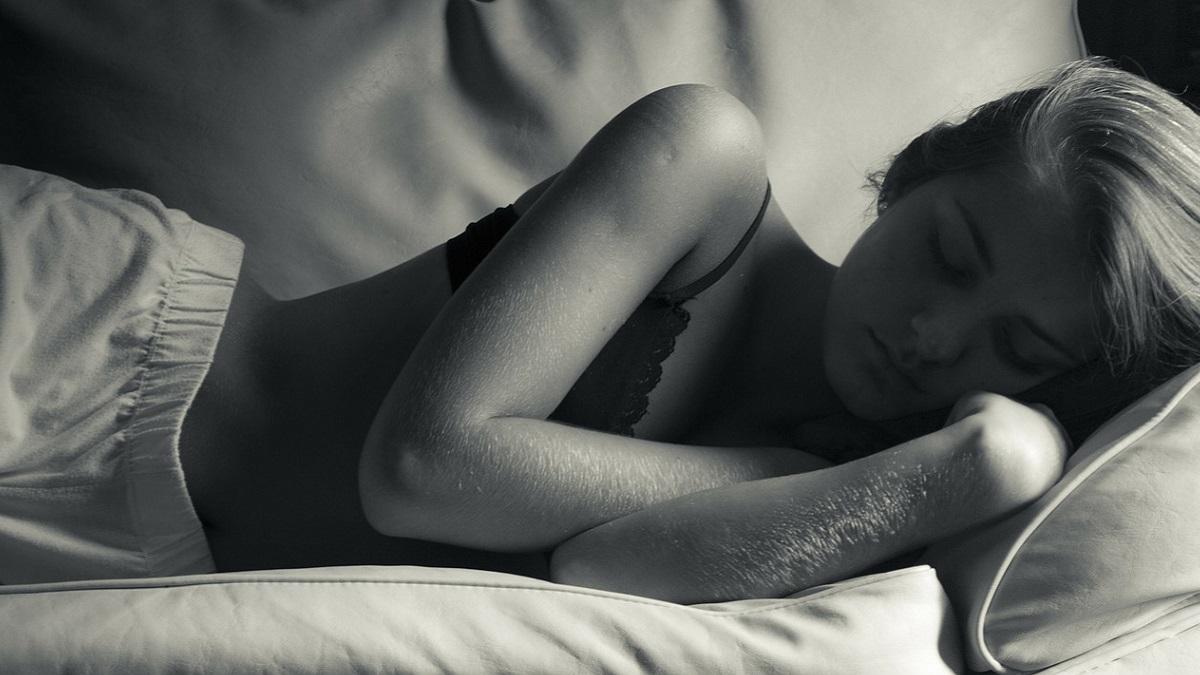 Droga la moglie con sonniferi e antistaminici per violentarla: 31enne condannato