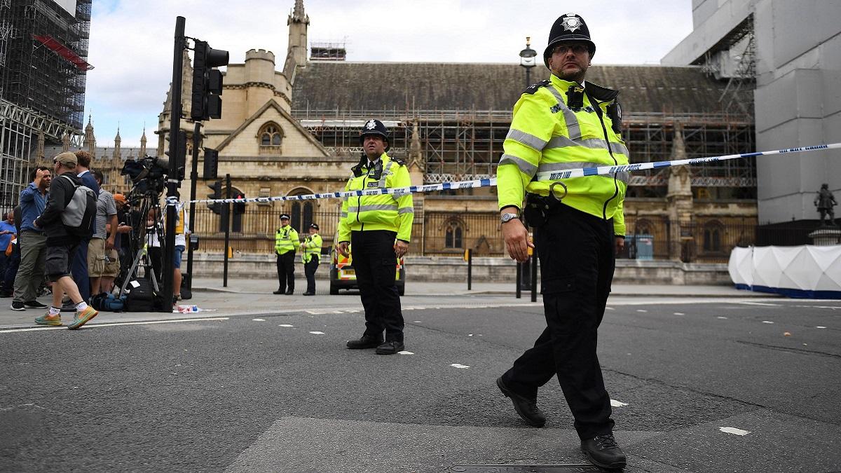 Londra, uccide la compagna incinta con le forbici: 'Voglio mangiare la tua carne'