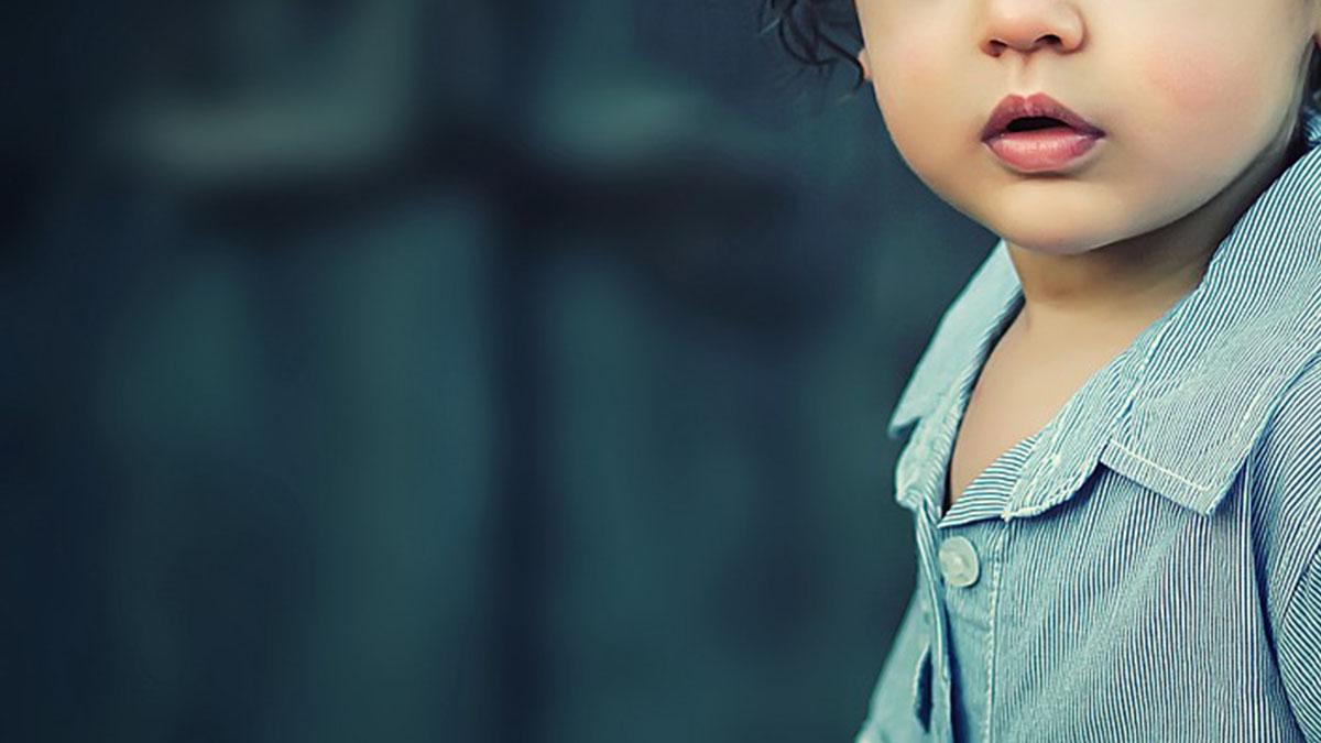 Tortura il figlio di 3 anni con il compagno, il corpo murato in lavanderia