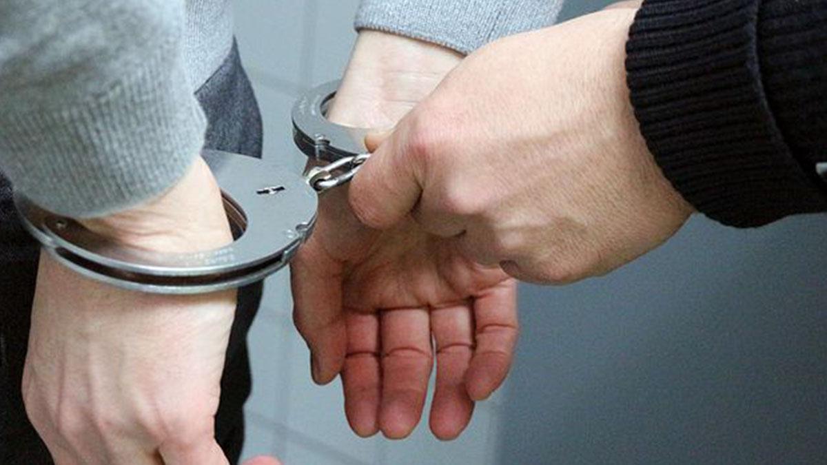 Decapita moglie e tre figli dopo averli narcotizzati: medico arrestato