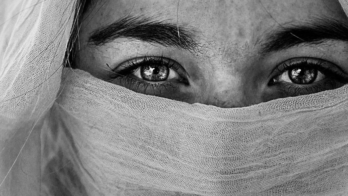 In Pakistan per incontrare l'uomo dei suoi sogni: 30enne rapita, costretta all'Islam e stuprata