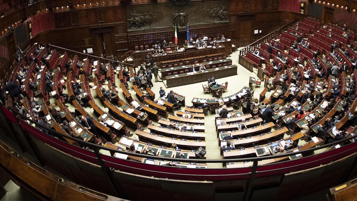 Meningite: ragazzo ricoverato dopo un convegno a Montecitorio, scatta la profilassi