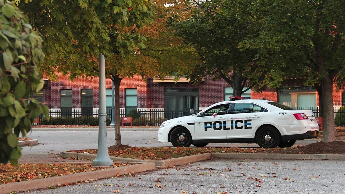 New Jersey, la Polizia trova i resti di un bambino nella borsetta della madre: 24enne accusata di omicidio