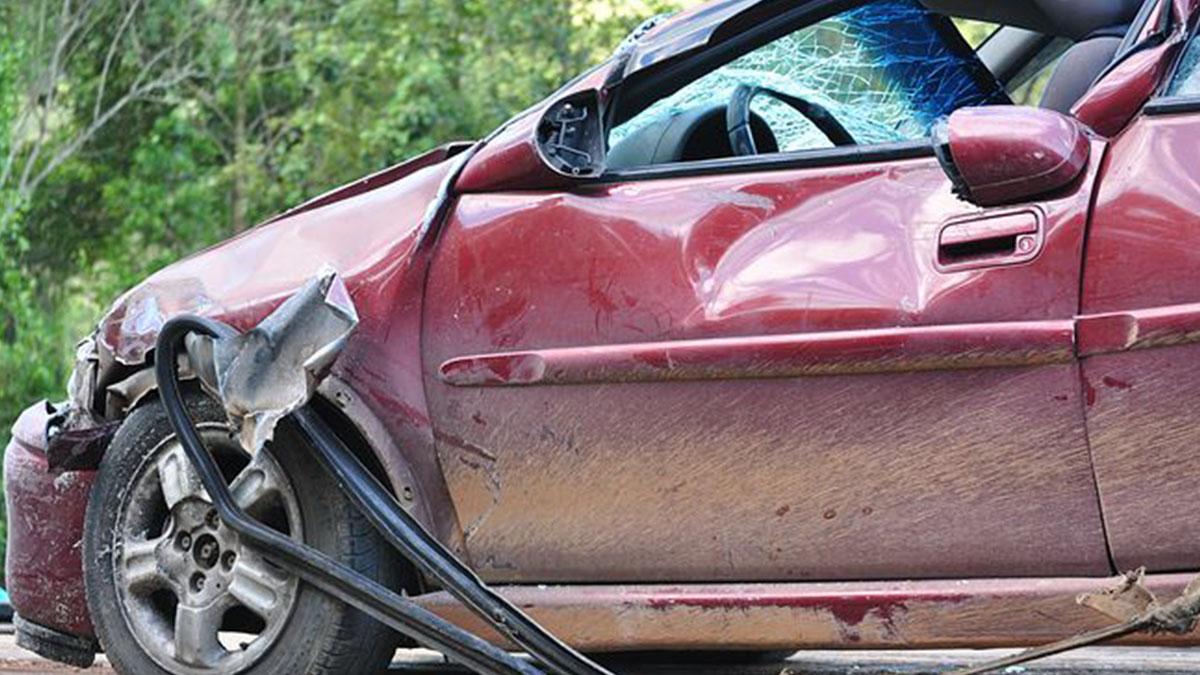 Rubano un'auto, 12enne travolta e uccisa: uno dei due scende e scopre che è sua figlia