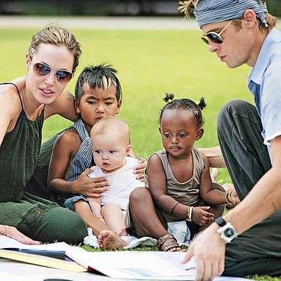 Brad Pitt con la famiglia