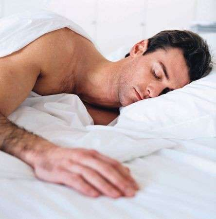 Dimmi come dorme e ti dirò se è fedele