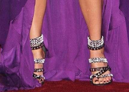 Smalto piedi per ogni tipo di scarpa