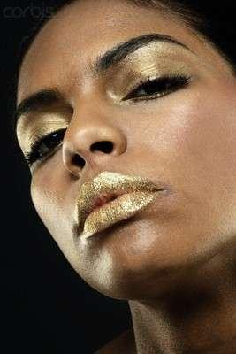 Make up oro more