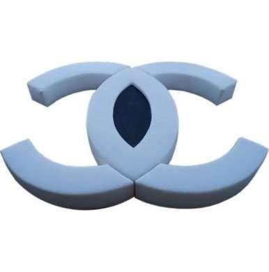 Chanel: divano di lusso del marchio