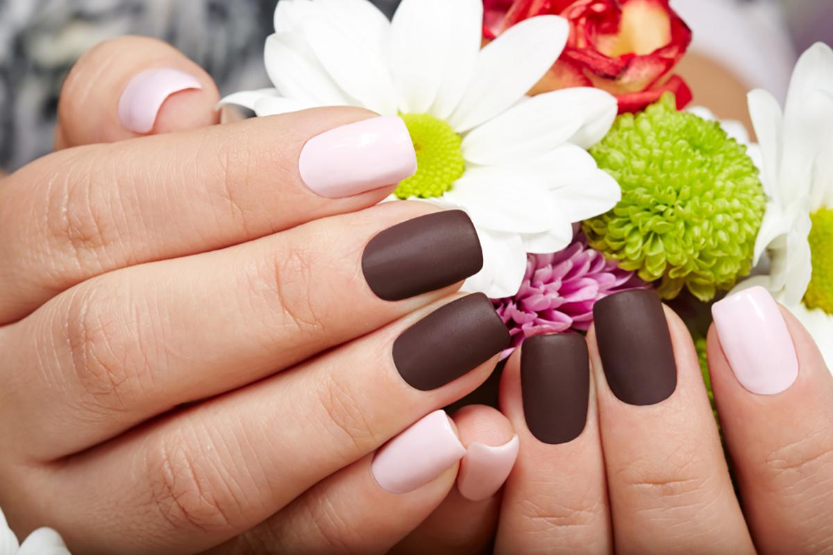 Colori unghie di primavera: gli smalti di tendenza