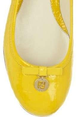 Scarpe Fendi, le ballerine gialle in vernice