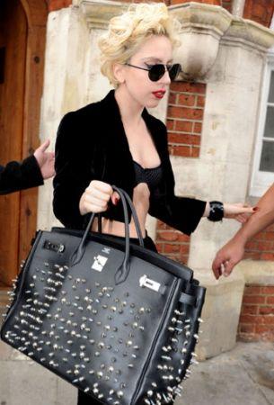Lady Gaga: problemi con le Birkin?