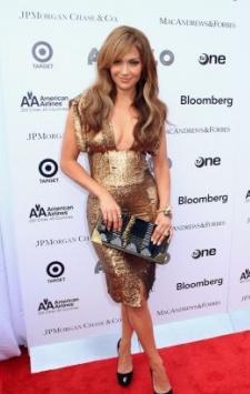 Il look di Jennifer Lopez in Gianfranco Ferrè