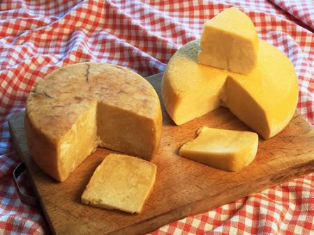 Colesterolo: addio dieta, ora si mangia pecorino