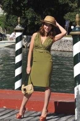 Violante Placido abito verde oliva