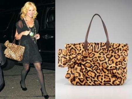 Katherine Heigl con una borsa di Valentino