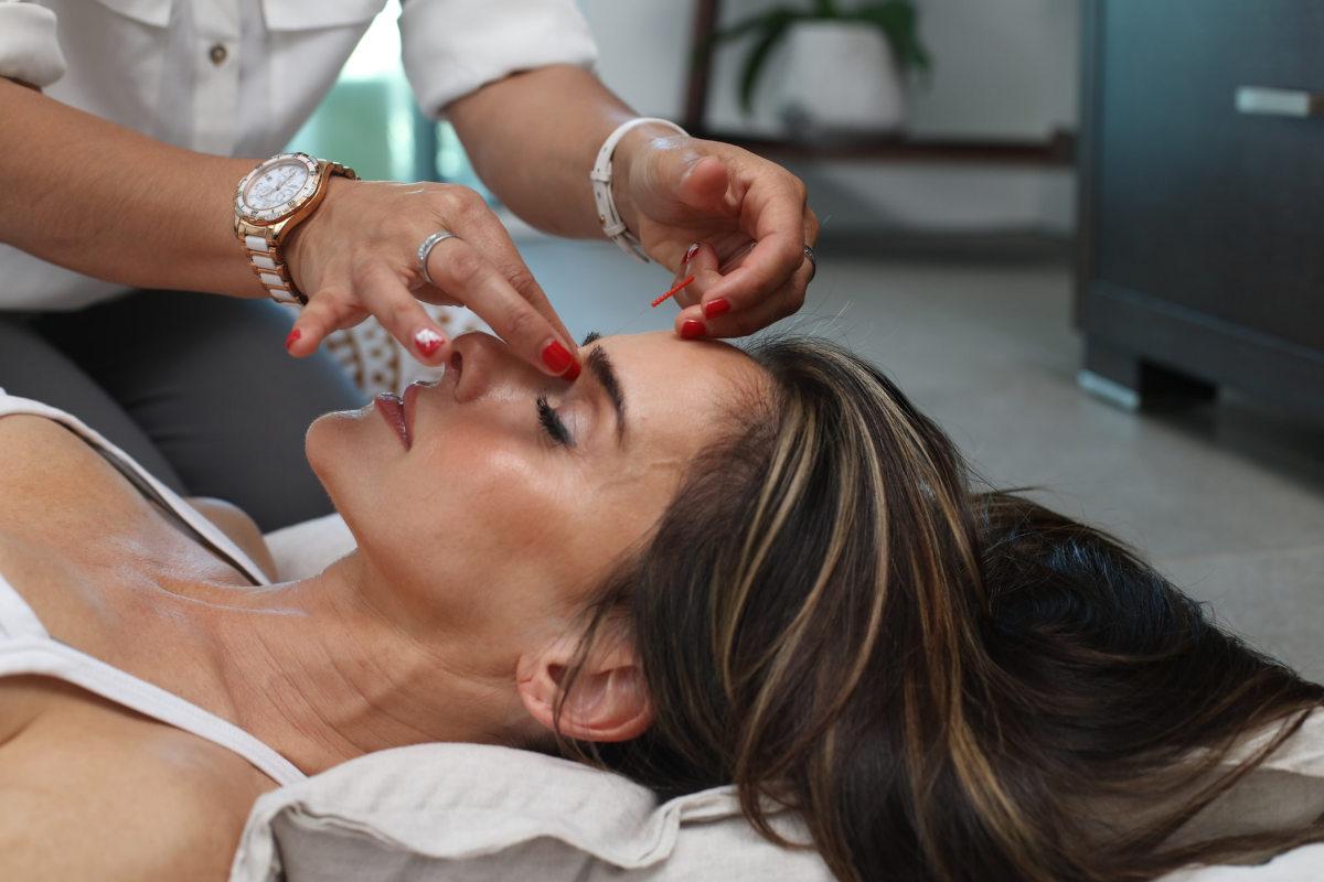 Massaggio viso, i segreti della riflessologia