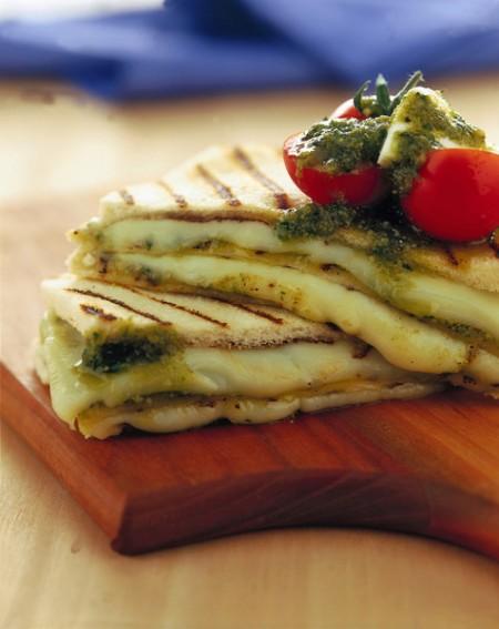 toast mozzarella pesto