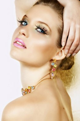 make up oro