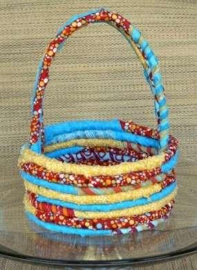 """Idee cucito: creare un colorato cesto di stoffa """"portacose"""""""