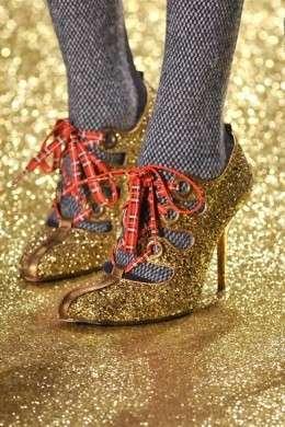 Vivienne Westwood: le scarpe glitterate per la Paris Fashion Week