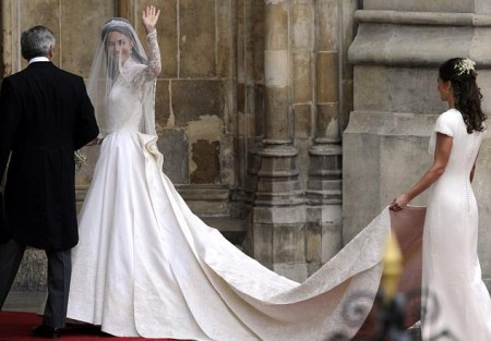 Kate Middleton: l'abito da sposa è di Sarah Burton