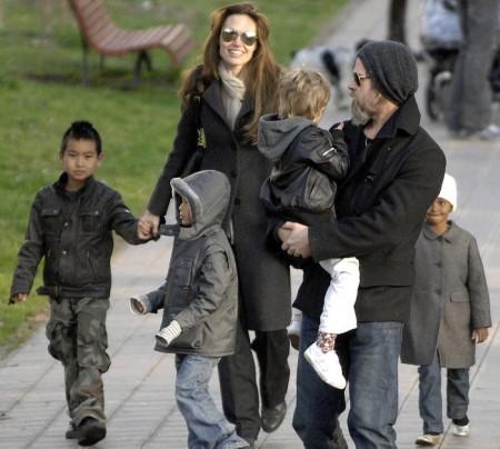 Angelina Jolie si racconta, lavoro, viaggi, famiglia e Brad