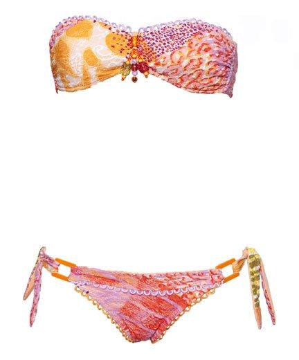 Costumi da bagno estate 2011: il due pezzi dalle tonalità calde