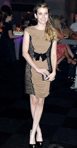 Emma Roberts al Giffoni Film Festival in un abito Max Mara, deliziosa!