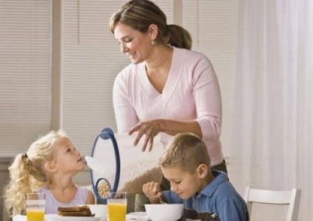 Vietato saltare la colazione per contrastare l'obesità infantile