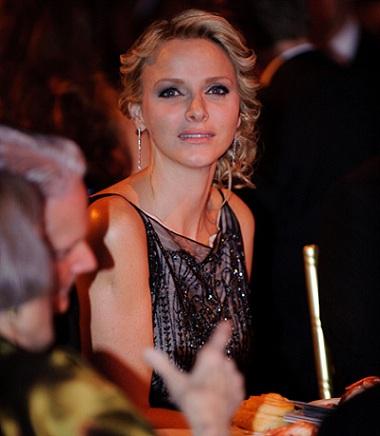 Charlene Wittstock, la Principessa di Monaco, in Christian Dior al Gala della Fondazione Grace