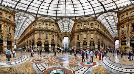Prada batte Apple, nuovo store per fashioniste in Galleria a Milano!