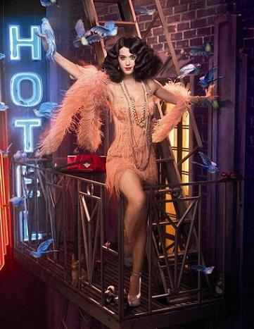 Katy Perry in stile Moulin Roige