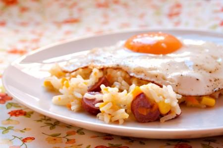 La ricetta del risotto ai wurstel, perfetto per i bambini