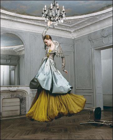 Versace torna sulle passerelle delle sfilate Haute Couture