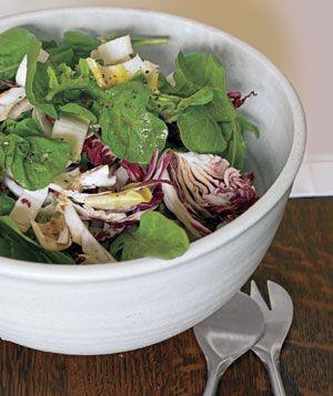 Verdure crude sulla tavola per evitare le abbuffate di Natale