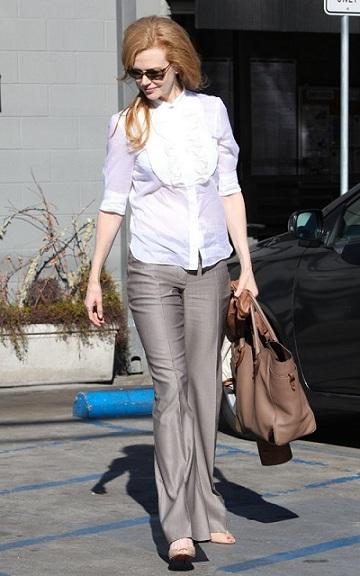 Nicole Kidman adora Ferragamo, anche lei con la Britta tote
