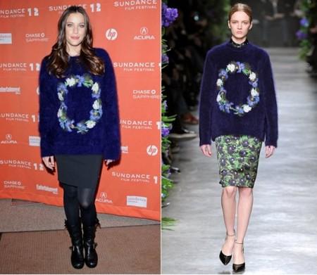 Liv Tyler con un maglioncino Givenchy in lana piumosa