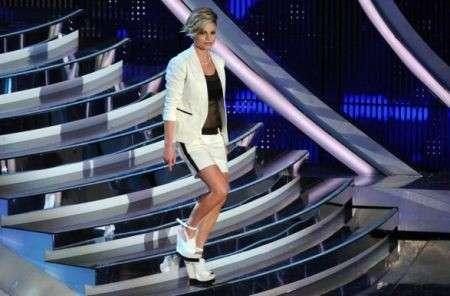 Sanremo 2012, abiti e look delle cantanti in gara nella seconda serata