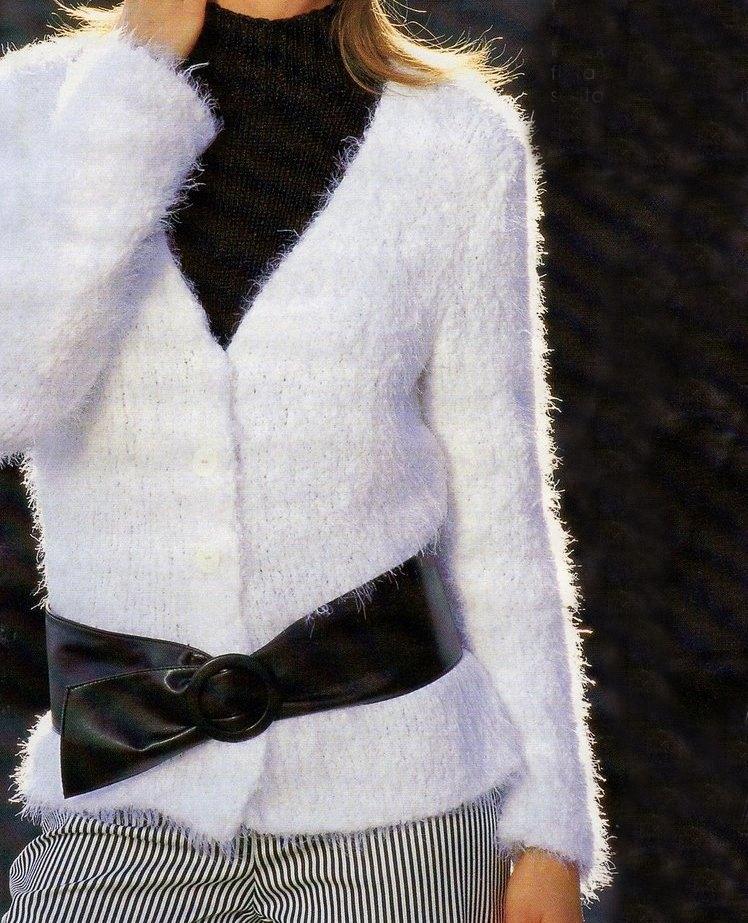 Lavori a maglia: un cardigan realizzato con filato pep