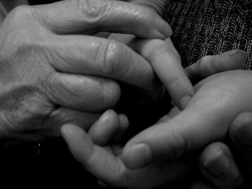 mani doloranti e gonfie per sclerodermia