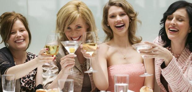L'abuso di alcool può causare gastriti, danni al cuore e alla pressione