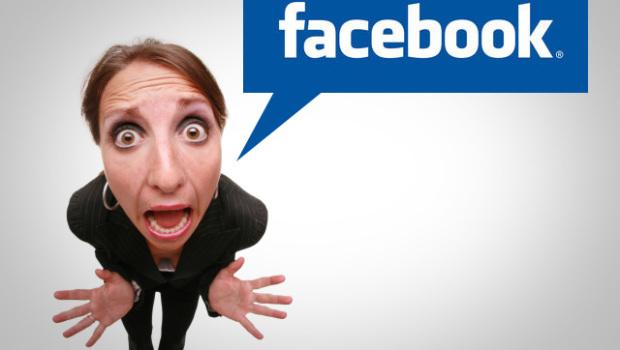 Sempre più donne Facebook-dipendenti, e lo stress è in agguato