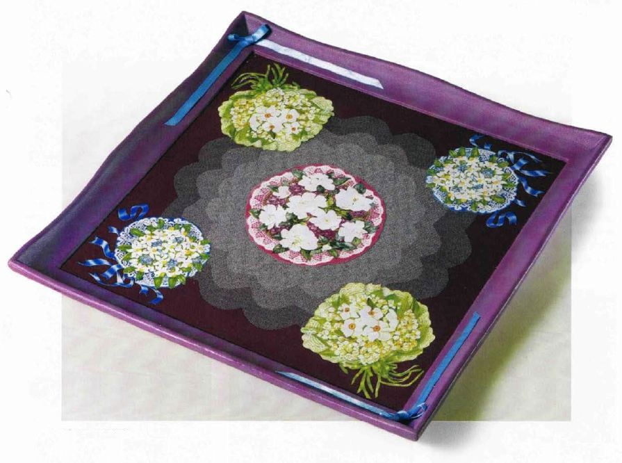 Vassoio quadrato in legno con bouquets decoupage