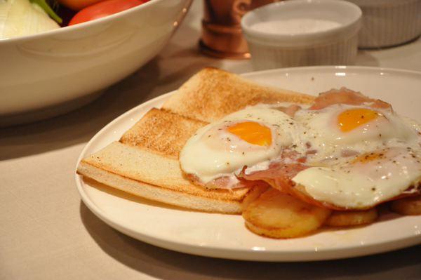 Perdere peso mangiando uova a colazione