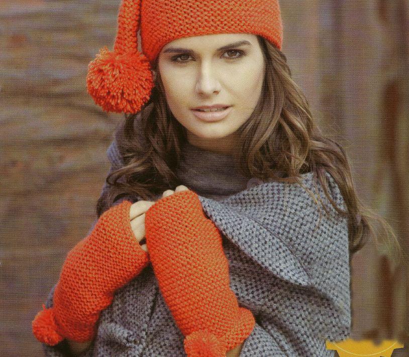 Lavori a maglia per creare guanti e berretto