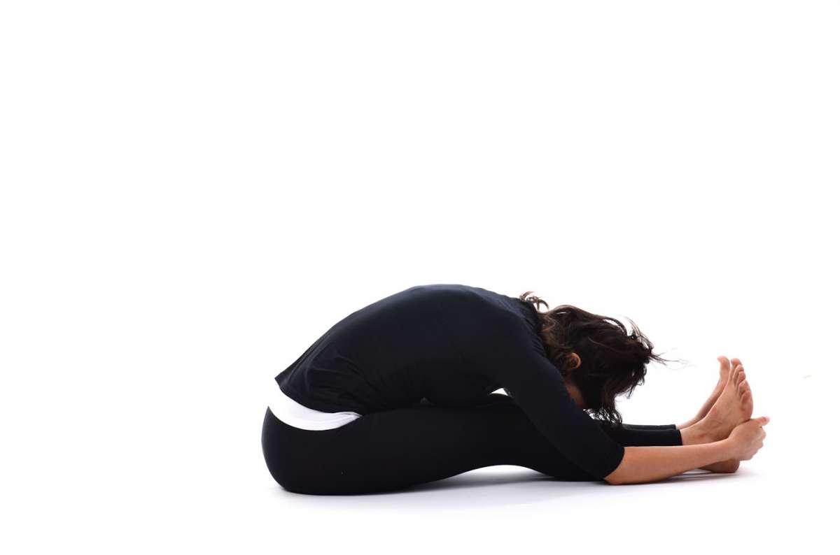Stretching schiena: esercizi utili [FOTO]