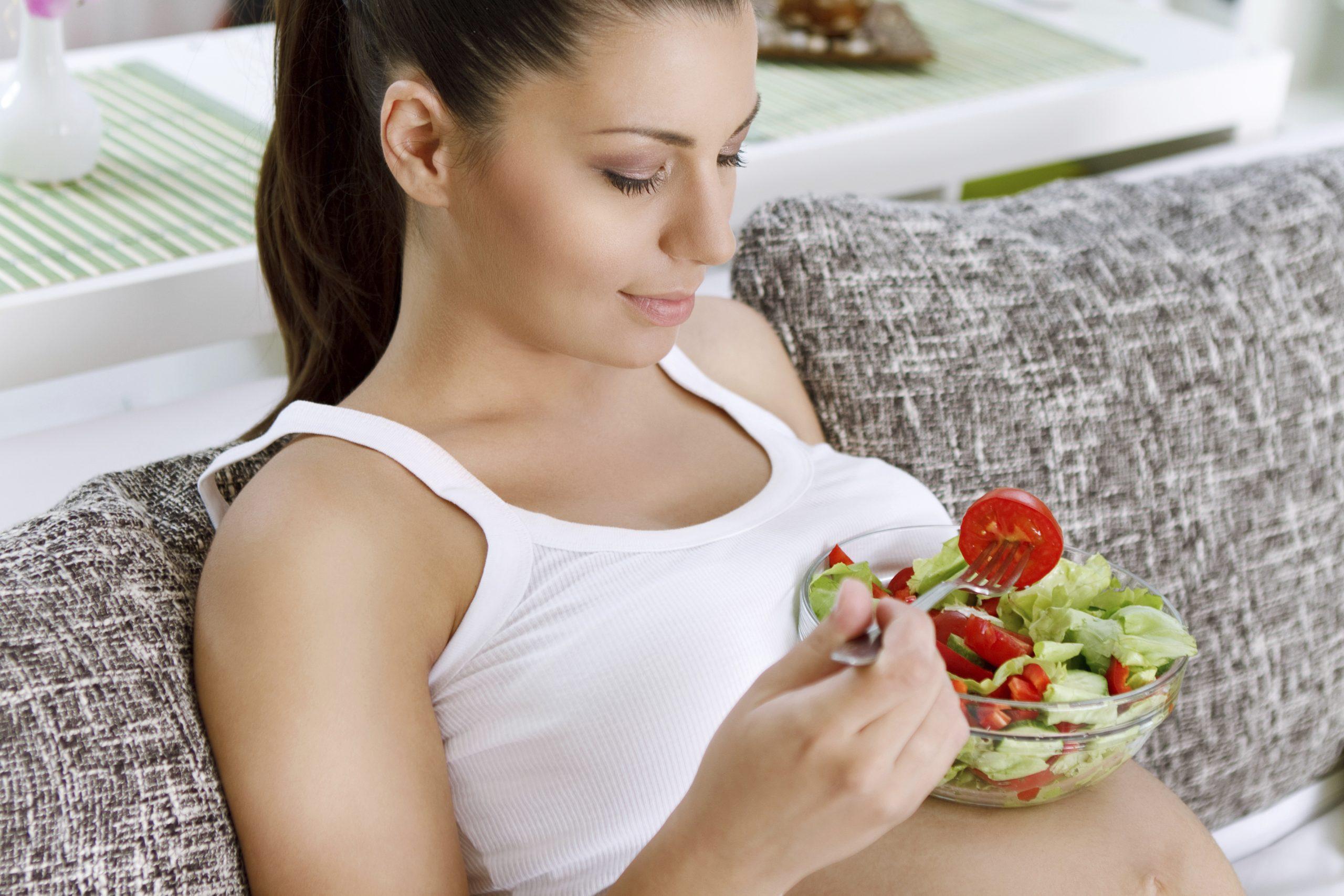Carenza di ferro in gravidanza: sintomi, conseguenze e alimentazione consigliata