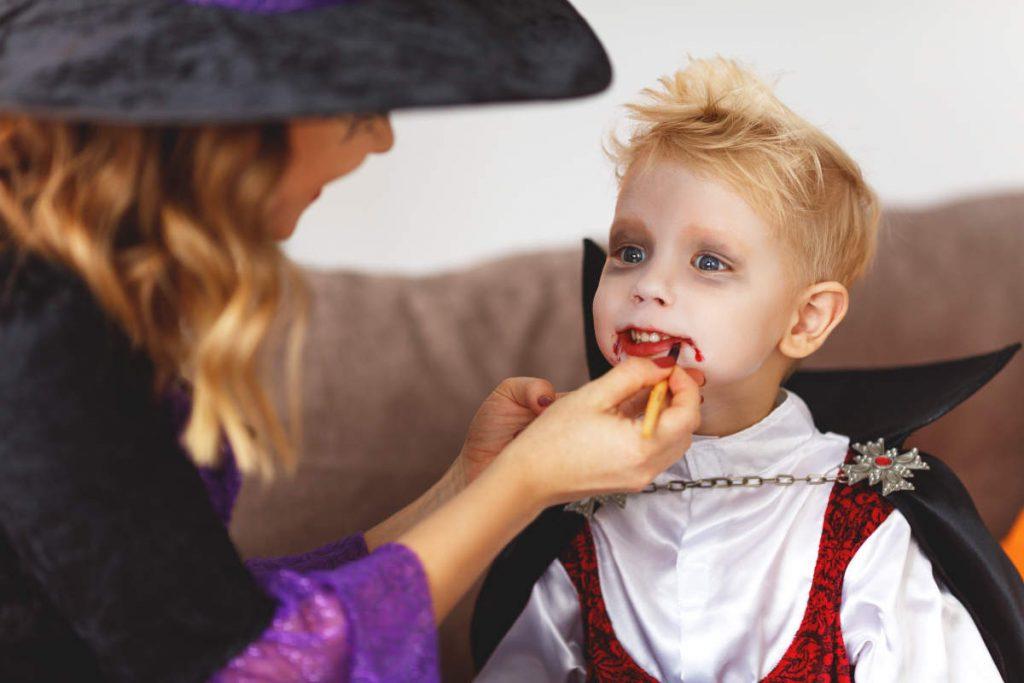bambino halloween vampiro