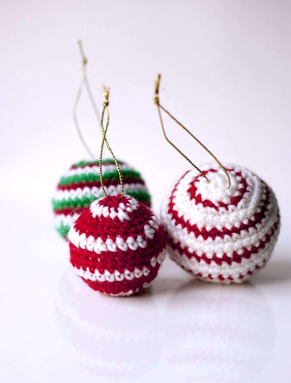 Lavoretti Di Natale Con Uncinetto.Palline Di Natale All Uncinetto Schemi E Spiegazioni Foto Pourfemme